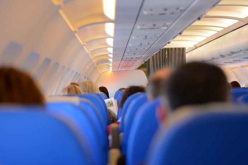 primer viaje con un bebe en avion