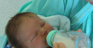 Lactancia materna excluisiva o biberon con leche de formula