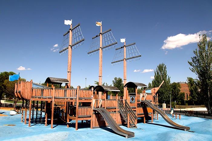 parque del barco pirata alcobendas
